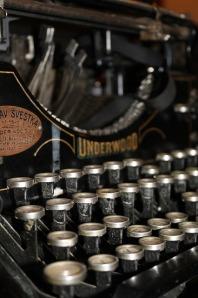 typewriter-210640_640